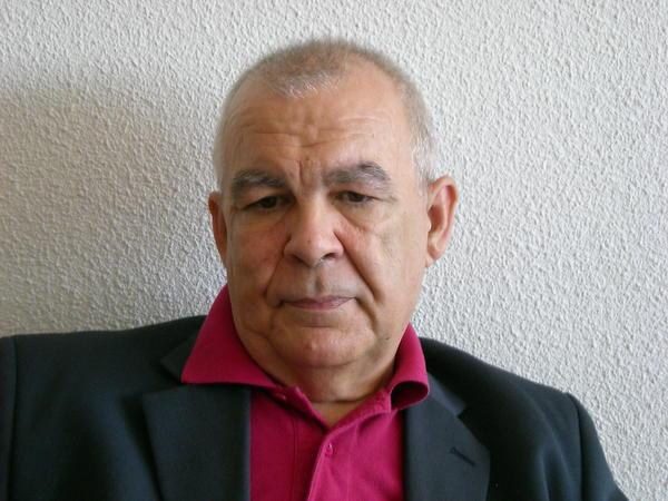 KAMASUTRA PORNO HOMBRE MASTURBANDOSE